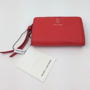 MARC JACOBS Softshot Compact Leather Wallet